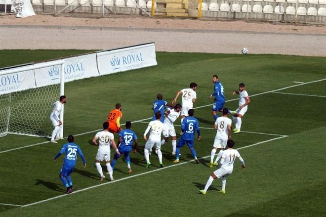 Bandırmaspor 3-1 ile turladı