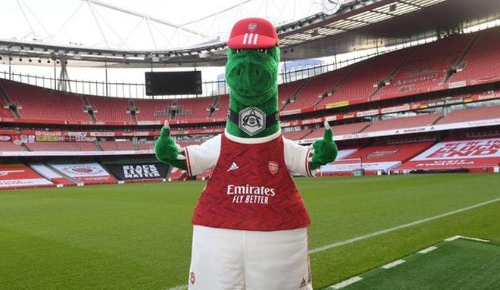 Gunnersaurus Emirates'e geri döndü! Peki içindeki aynı kişi mi?