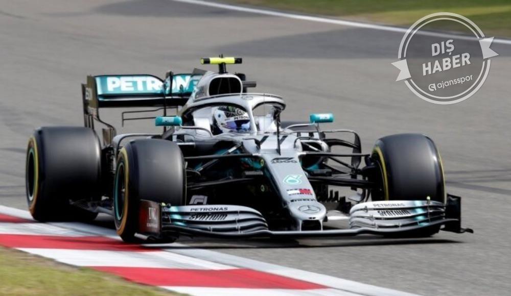Mercedes, Çin'den özür diledi