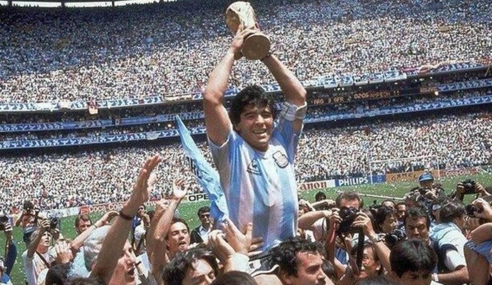 Dünya ağlıyor! Çünkü Maradona'yı kaybettik