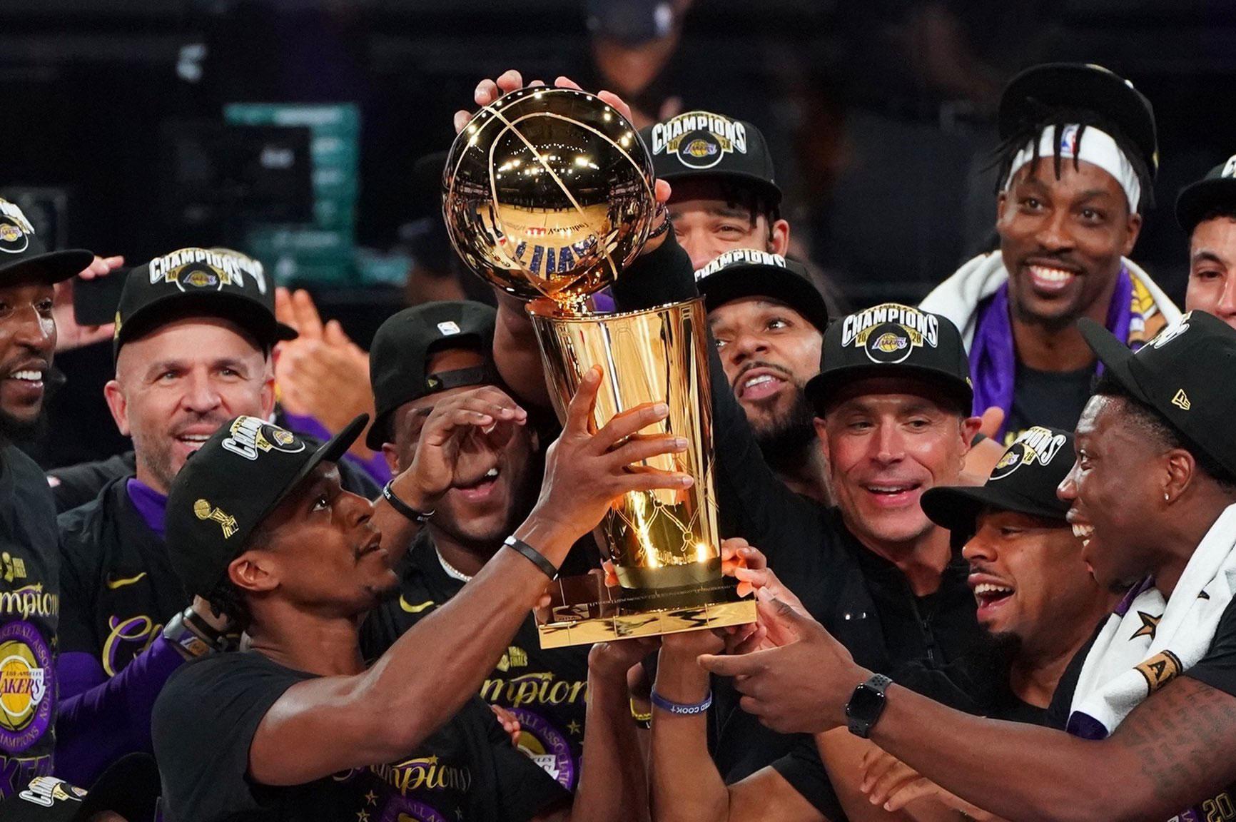Kobe'ye verilen söz tutuldu; Şampiyon Lakers!
