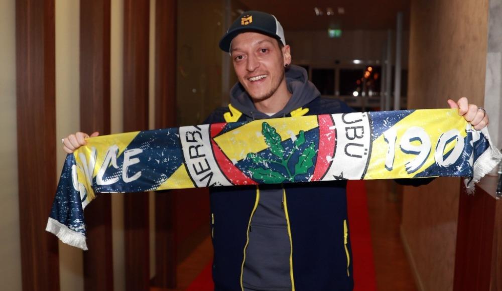 Mesut Özil'den ilk pozlar