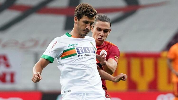 Beşiktaş, Galatasaray ve Trabzonspor istemişti! Salih Uçan kararını verdi!