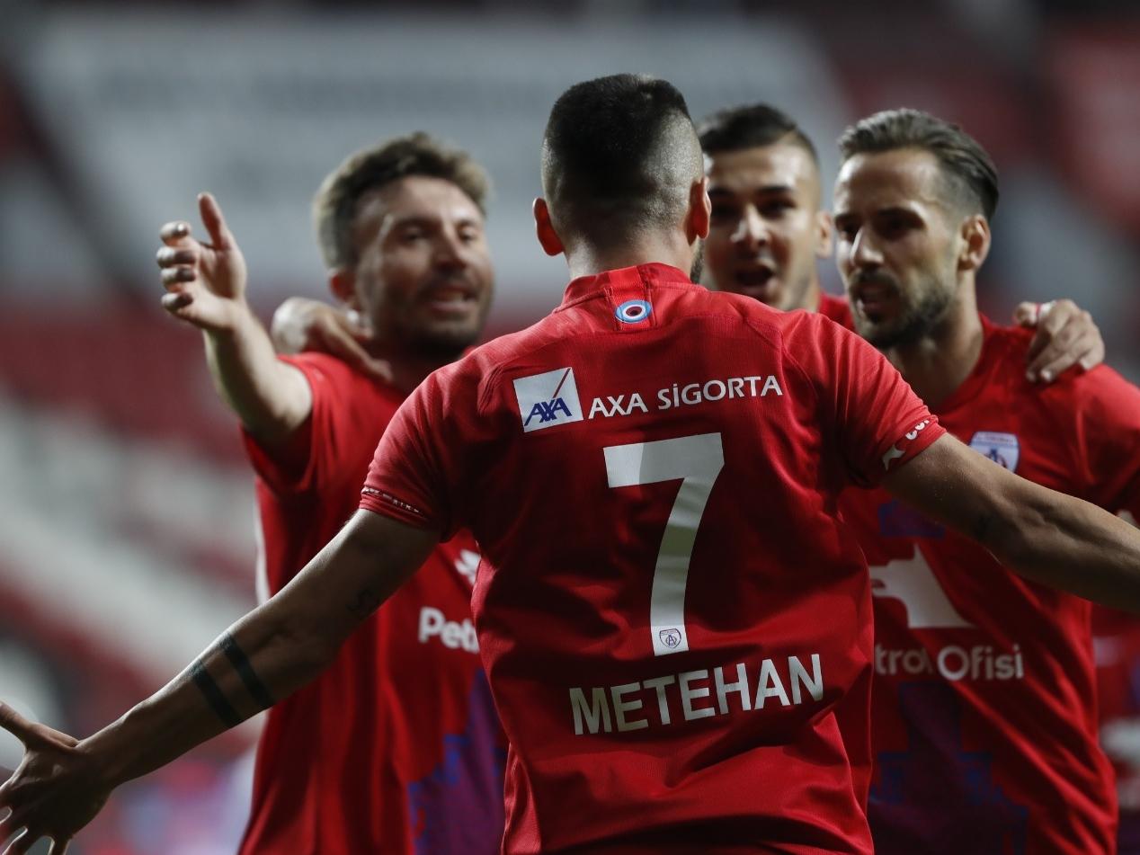 Samsunspor'un nefesi yetmedi! Süper Lig'e son bilet İzmir'in
