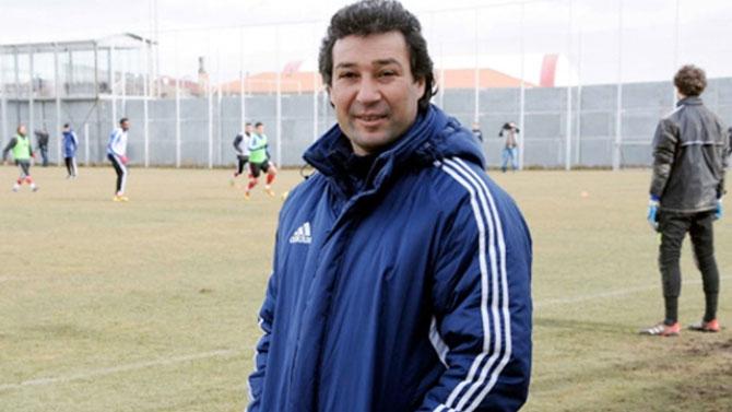 Elazığspor'dan hangi futbolcular ayrıldı? Orhan Kaynak'ın çözüm önerisi