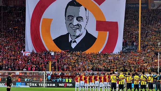 Galatasaray, Özhan Canaydın'ı andı