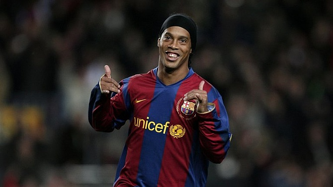 Ronaldinho futbolu bıraktı! Efsane veda ediyor...