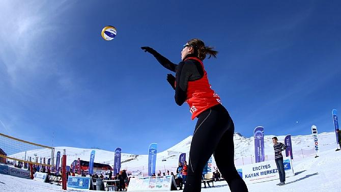 Kar Voleybolu Turu'nda Erciyes etabı tamamlandı