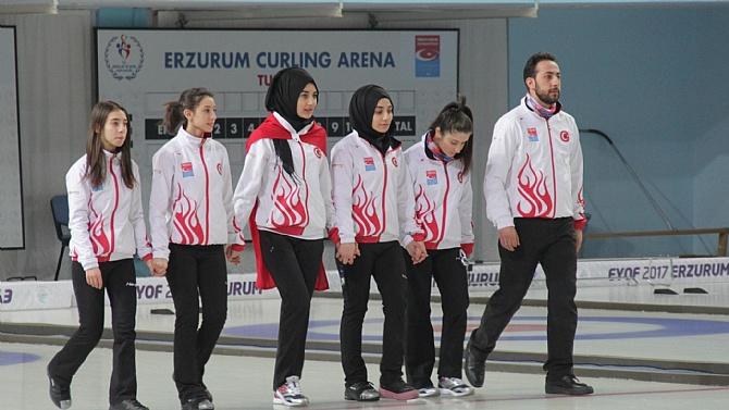 Curlingde tarihi başarı