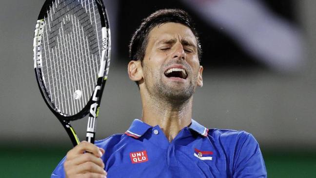 Djokovic'in maçı yarıda kaldı!