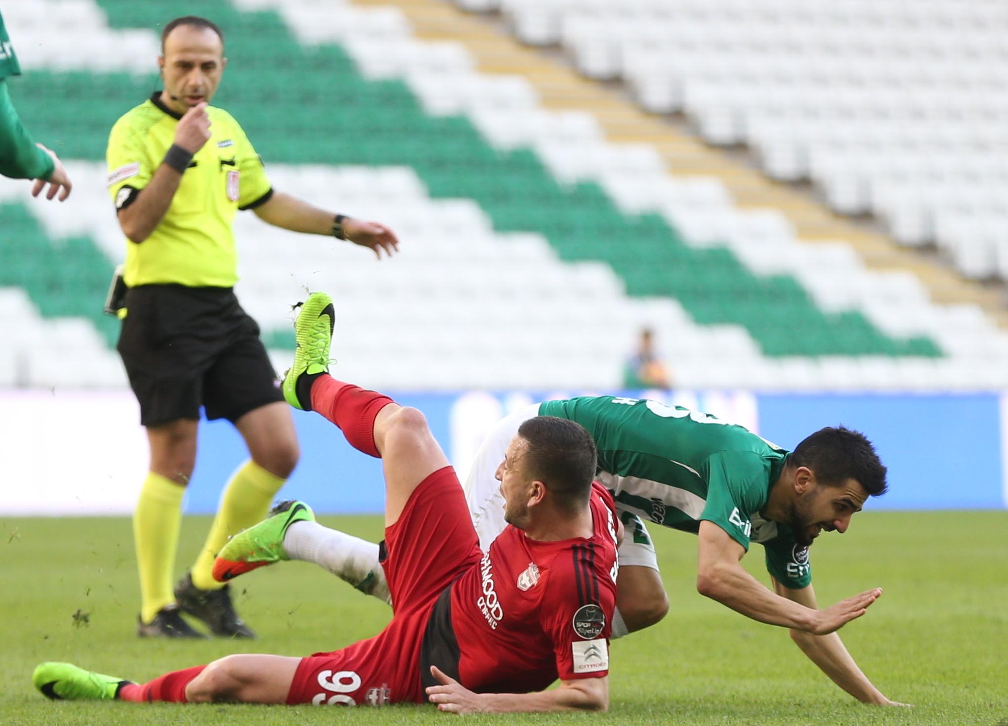 Bursaspor - Gaziantepspor maçında tartışmalı anlar