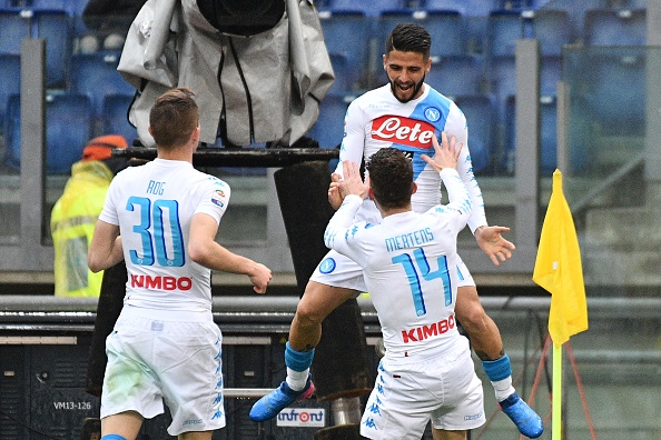 Napoli Roma'yı yaktı!