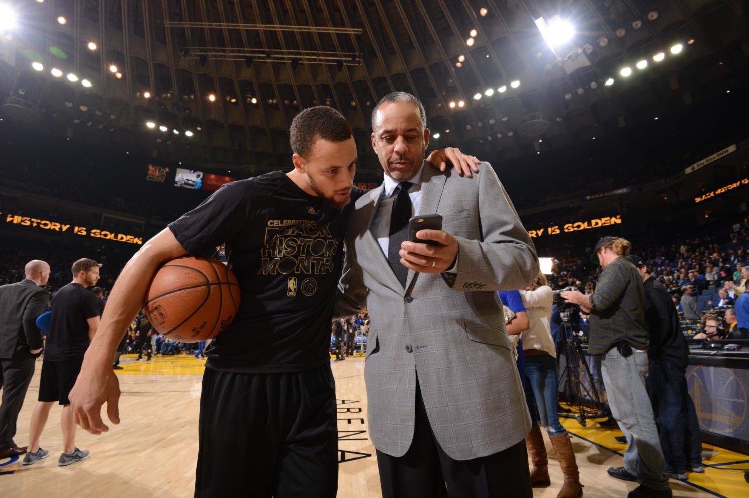 Stephen Curry babasını geçti!
