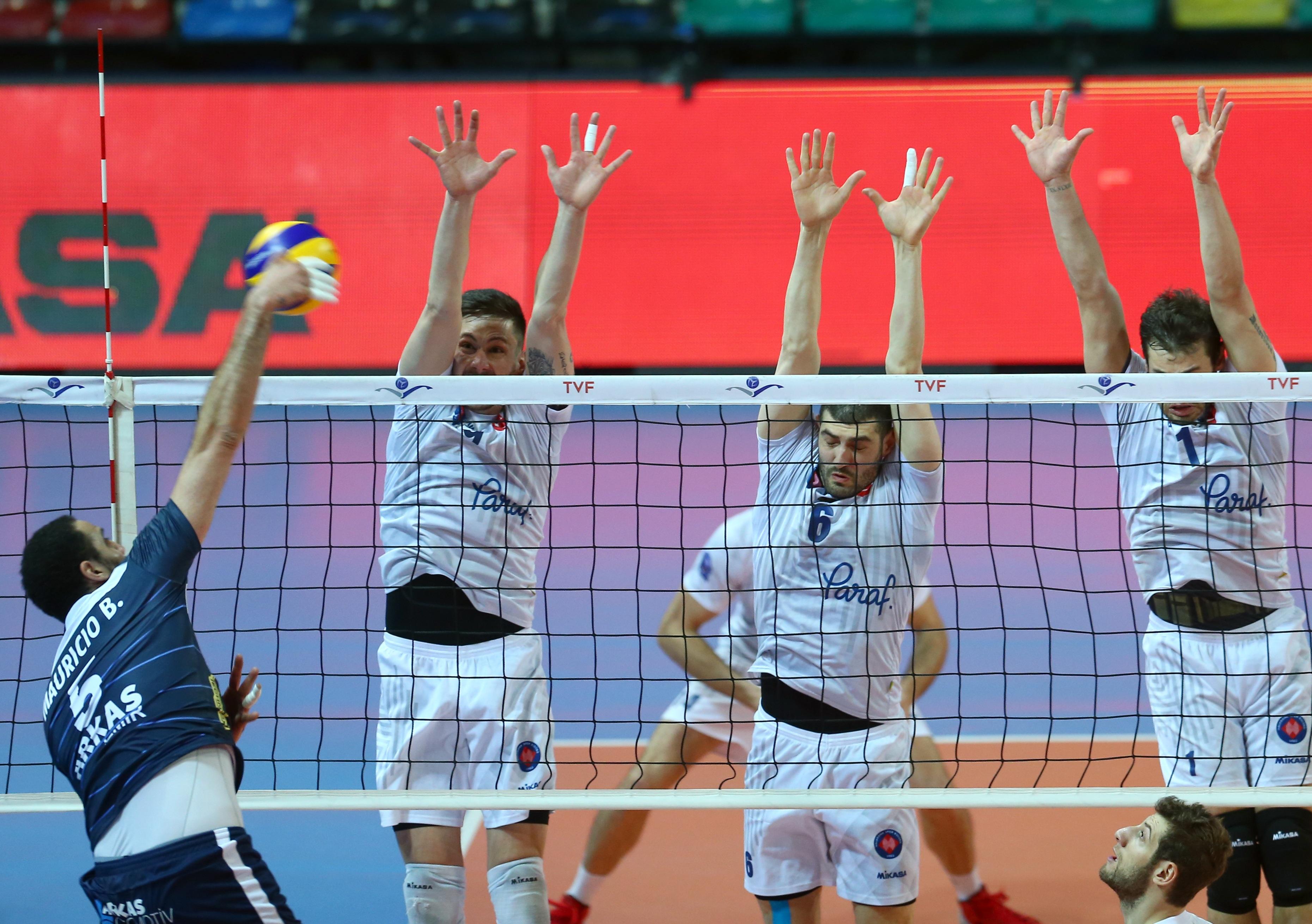 Halkbank, Arkas Spor'u 3-1 yendi