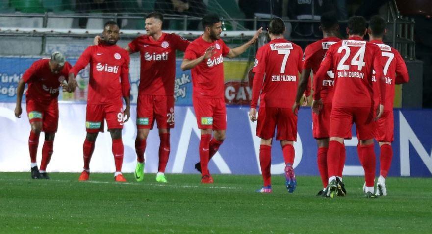 Antalyaspor tarihi rekor kırdı!