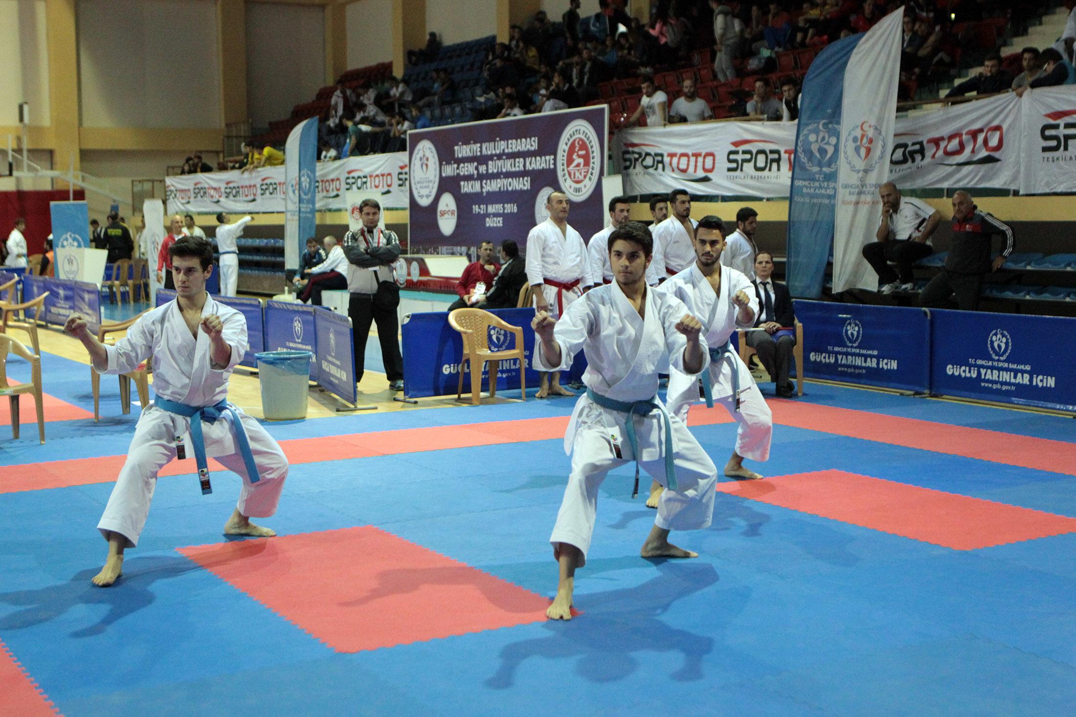 Karate Şampiyonası'nda sabah seansı bitti!