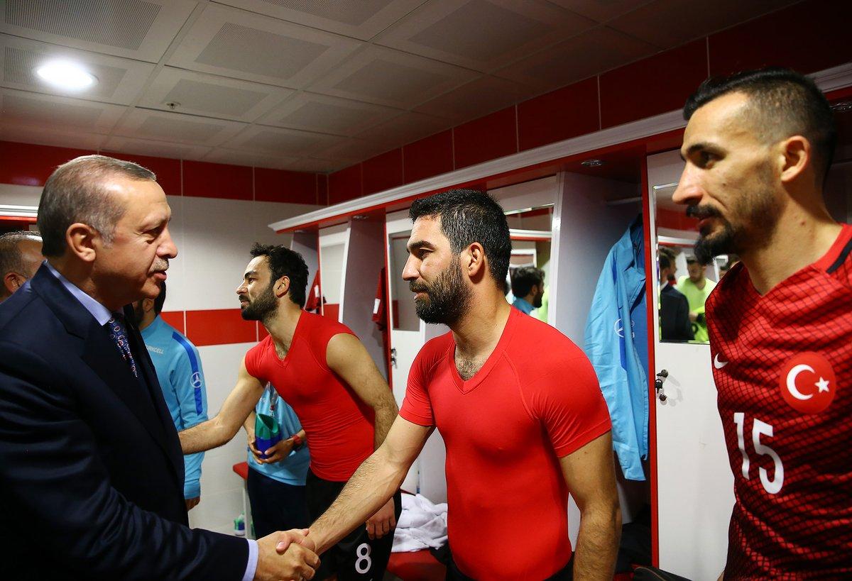 Cumhurbaşkanı Erdoğan soyunma odasında!