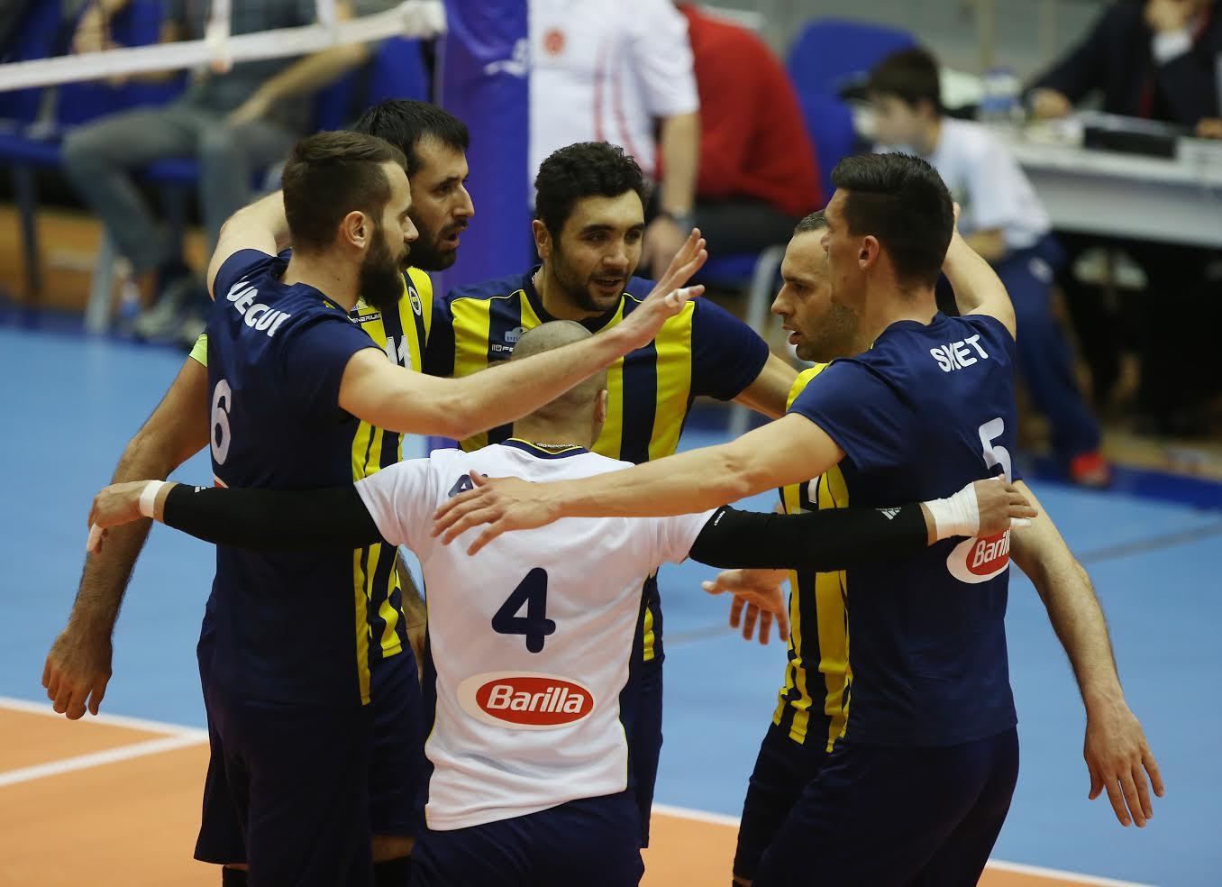 İlk maçın galibi Fenerbahçe