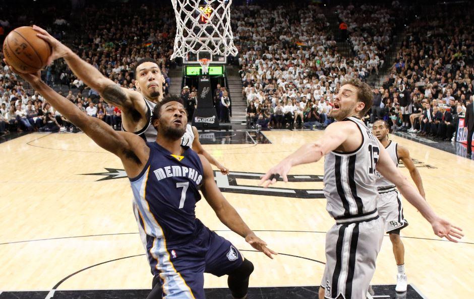 Cleveland ve Spurs kayıpsız!