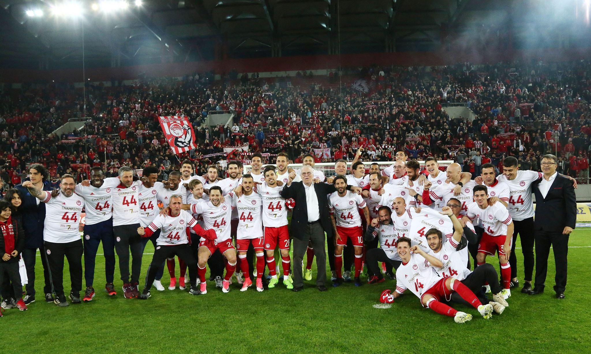 Olympiakos'tan şampiyonluk serisi!