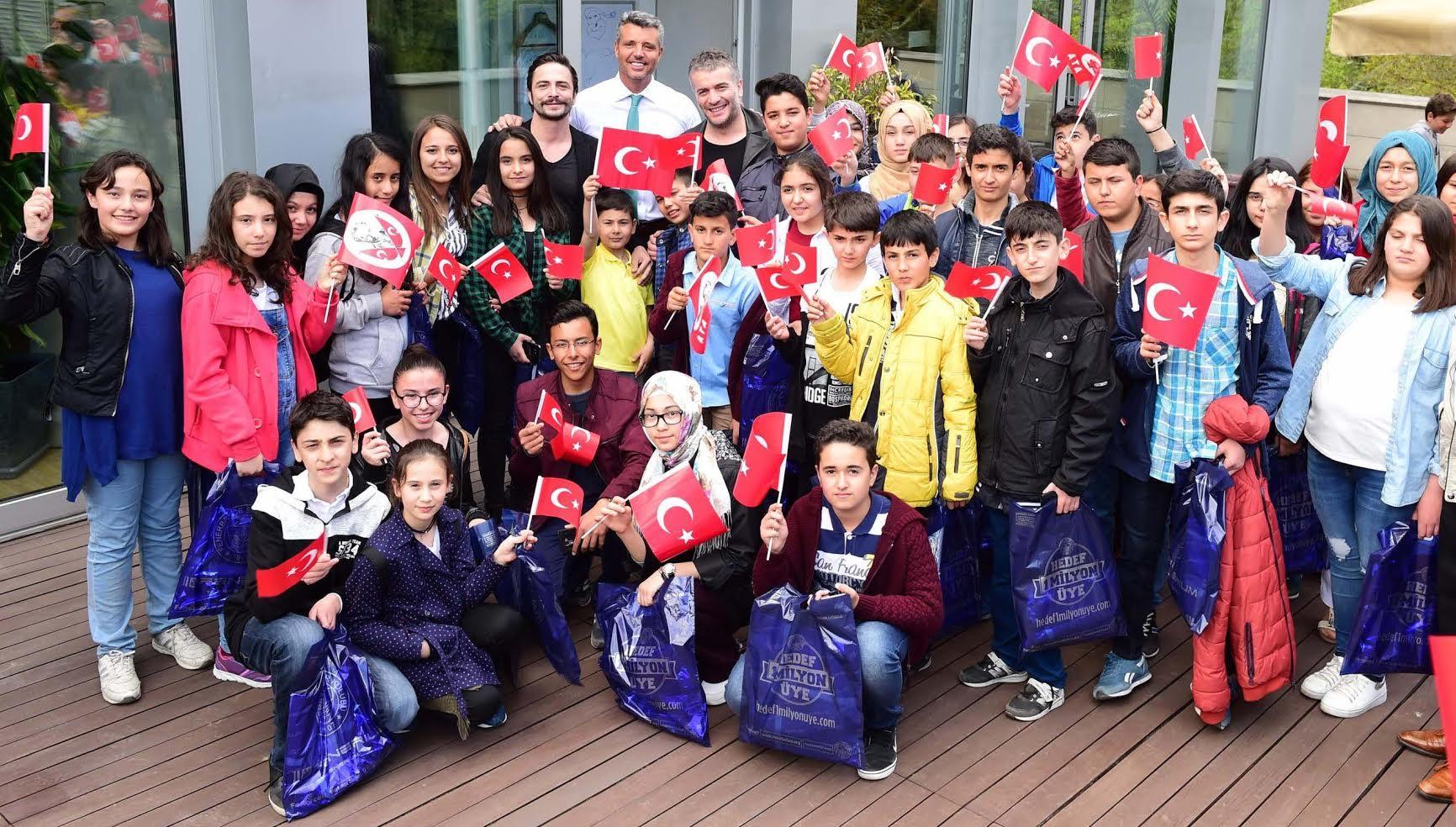 Saran Group'tan örnek 23 Nisan kutlaması