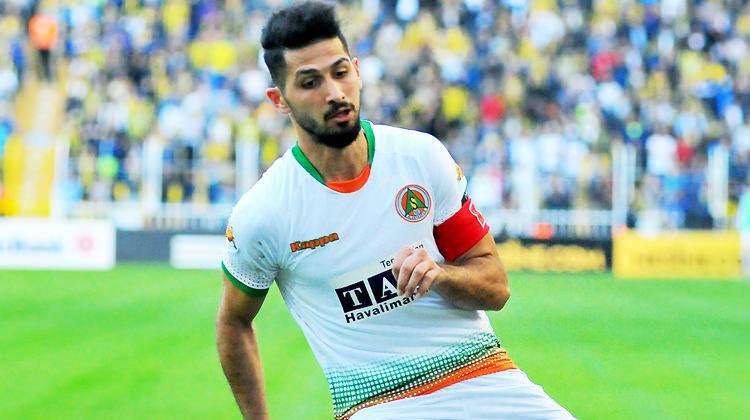 Alanyaspor'dan Emre Akbaba açıklaması! Galatasaray'a gidiyor mu?