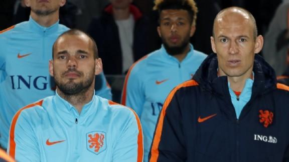 Sneijder ve Robben'den Advocaat'a veto!