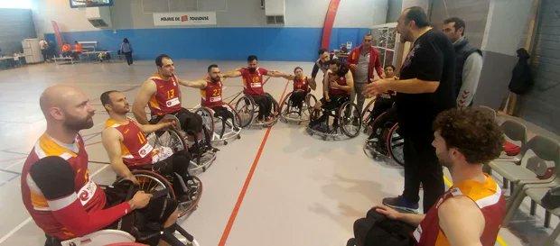 Galatasaray Fransa'da finalde