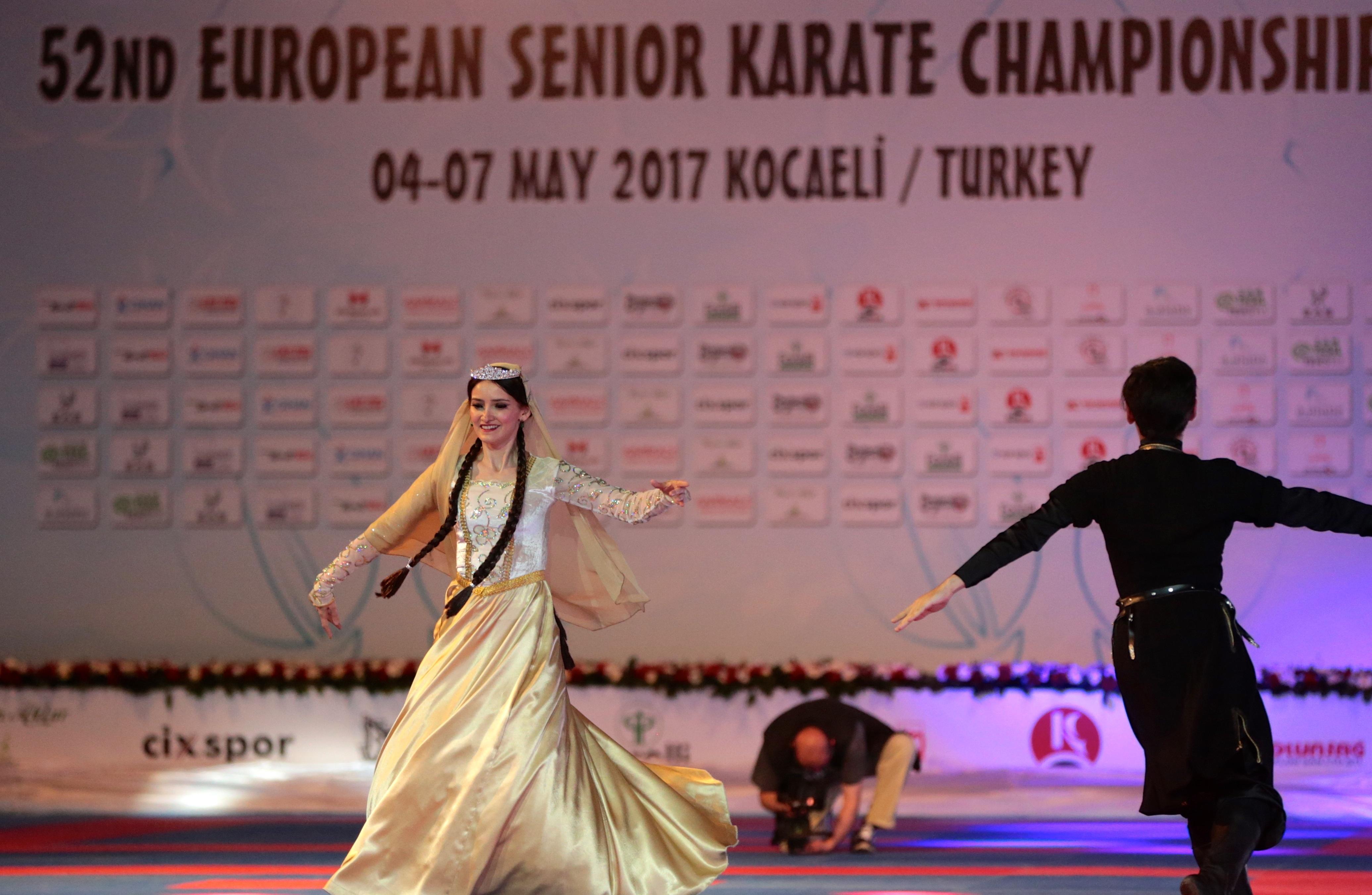 Karate Şampiyonası'nda açılış seremonisi yapıldı