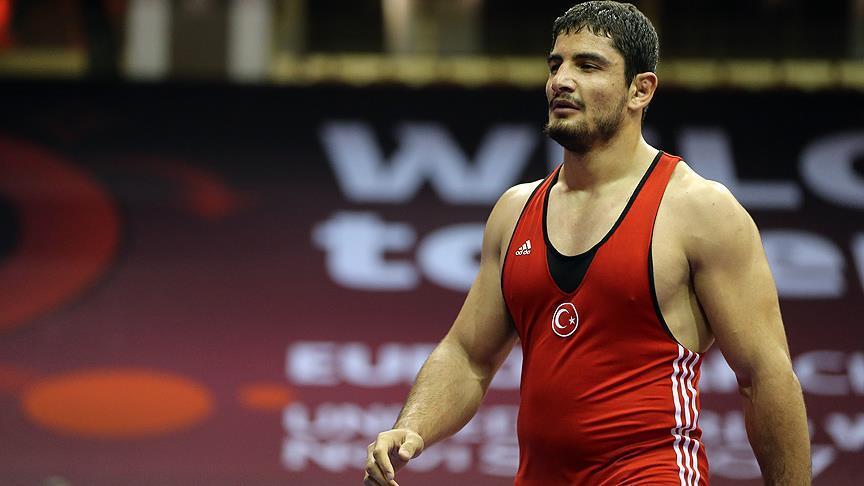 Taha Akgül, çeyrek finalde Parviz Khodavirdi Hadibasmanj'a mağlup oldu