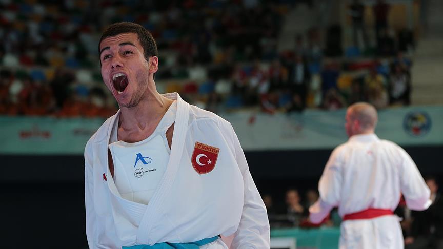 Burak Uygur'dan altın madalya!