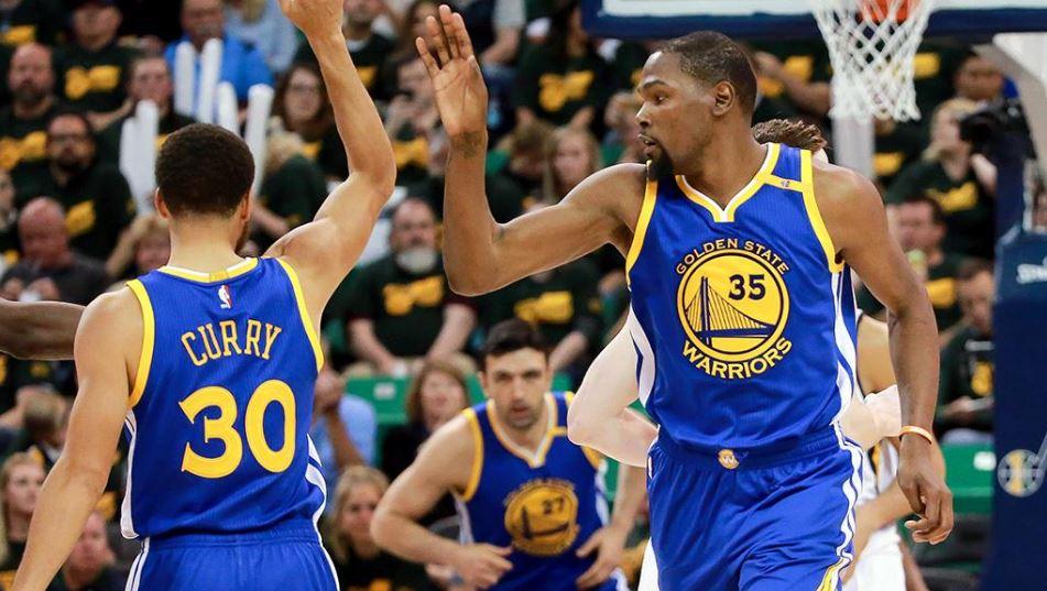 Durant 38 attı, Warriors süpürmeye yaklaştı!