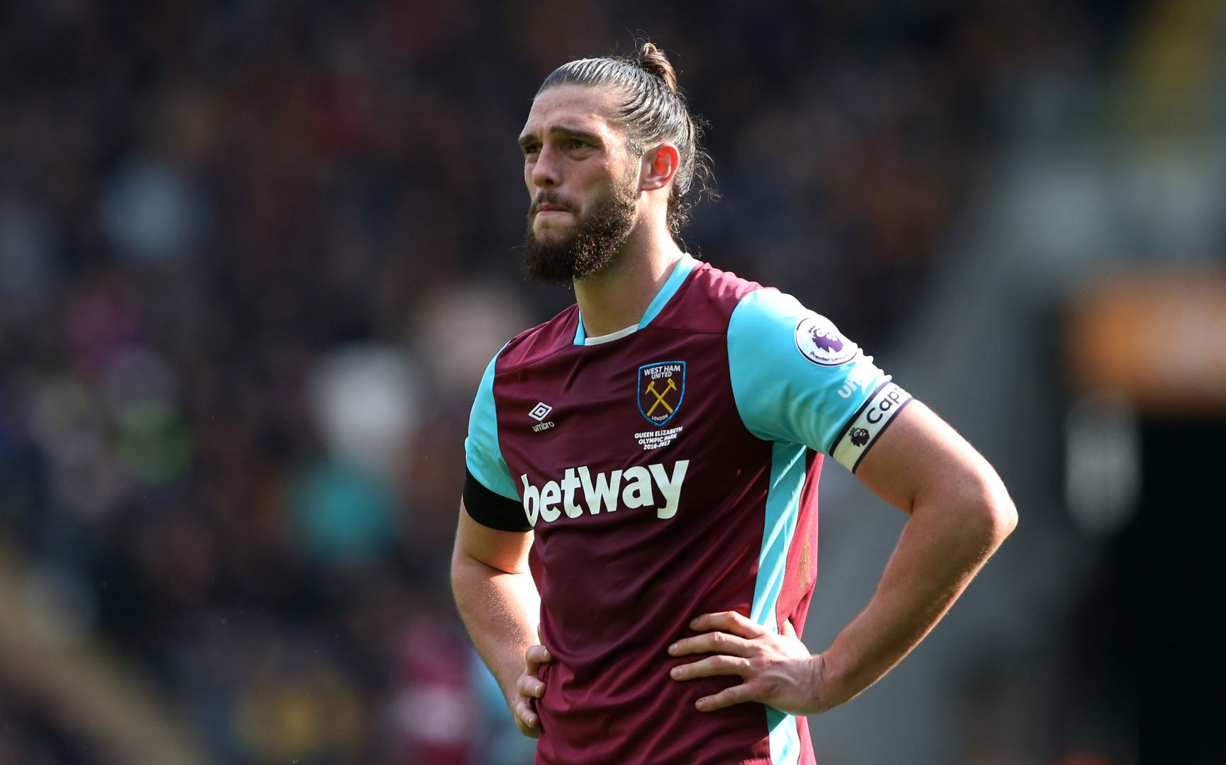 Andy Carroll West Ham'ı galibiyete taşıdı