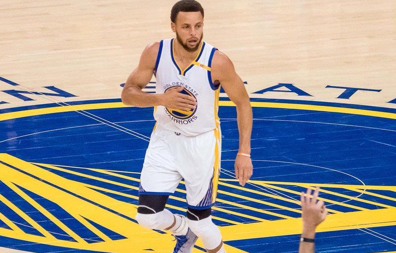 Warriors, Kawhi'sız Spurs'ü rahat geçti!