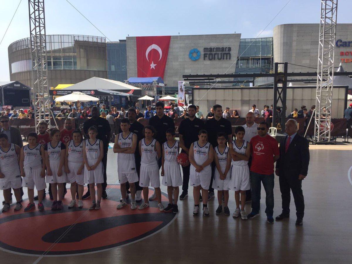 İstanbul'da Dörtlü Final heyecanı sürüyor