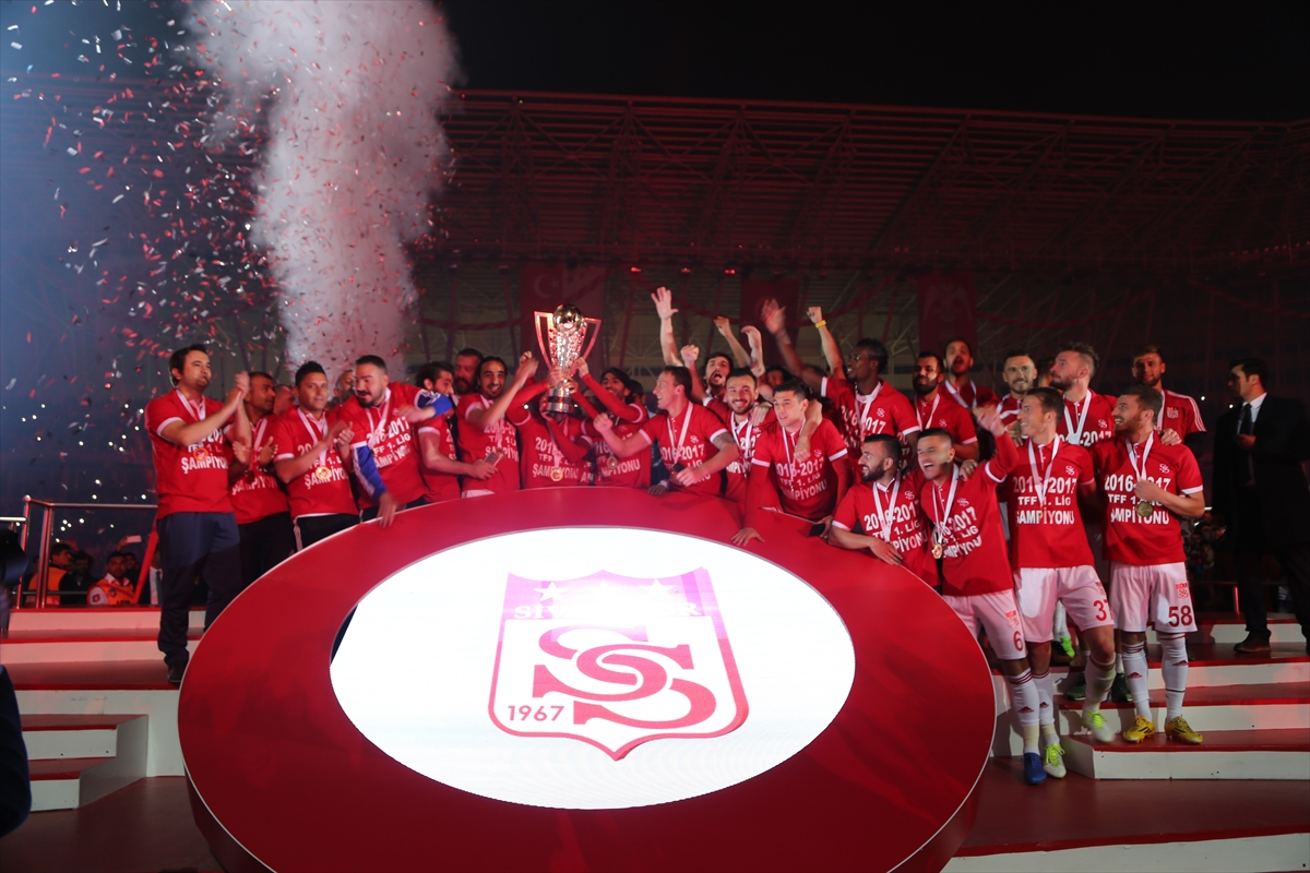 Sivasspor kupasını aldı