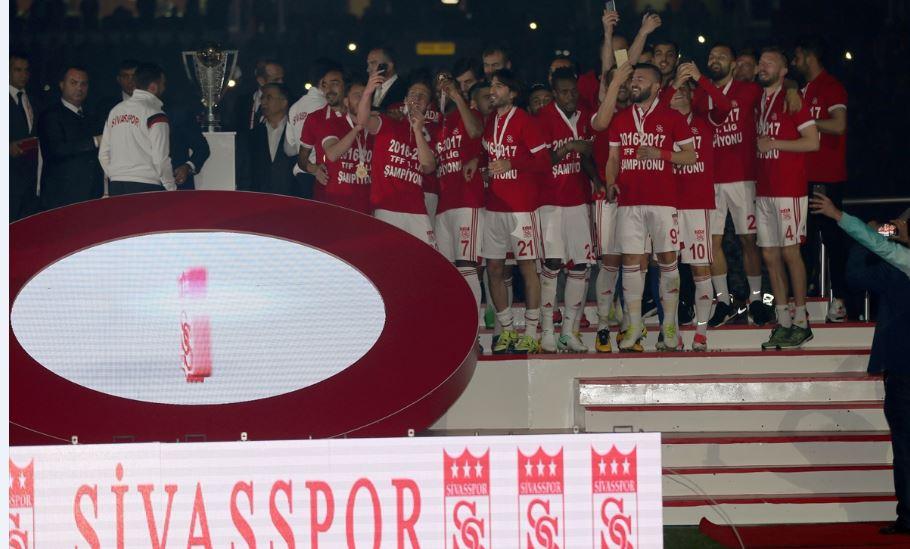 Bakan Kılıç'tan Sivasspor'a kutlama!