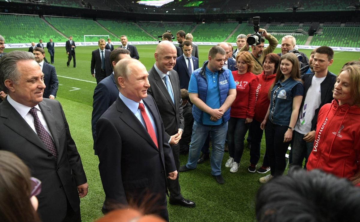 Putin, Infantino ile görüştü