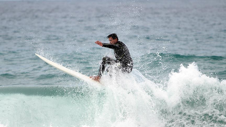 Dalga sörfünde ilk kez milli takım oluşturuldu