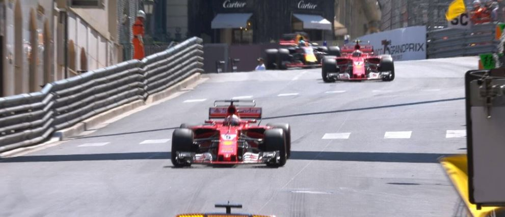 Monaco'da Ferrari dublesi!