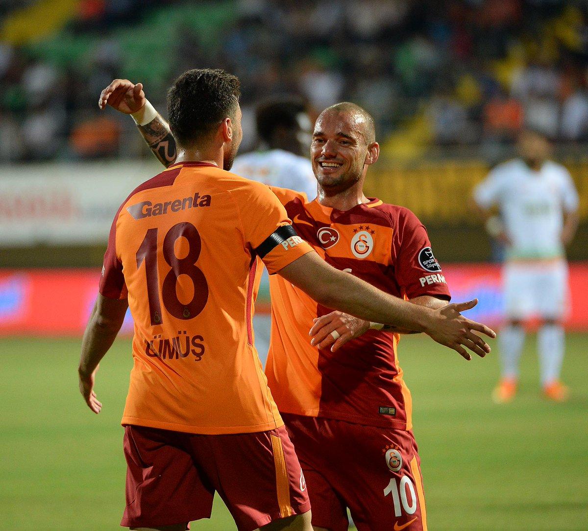 """Sürpriz iddia: """"Sneijder Milan'a önerilecek"""""""