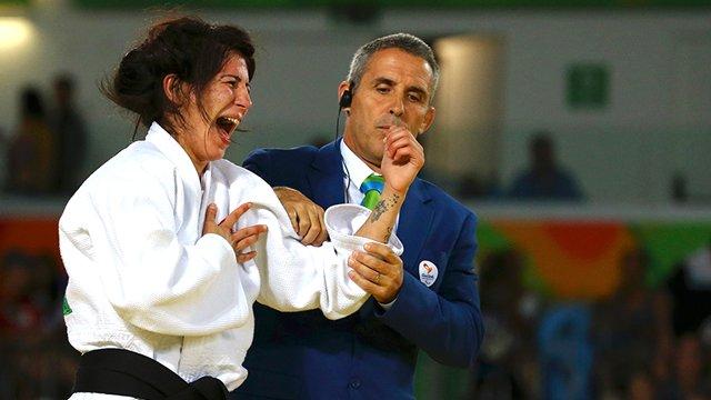 Judo ile engelleri kaldırdı