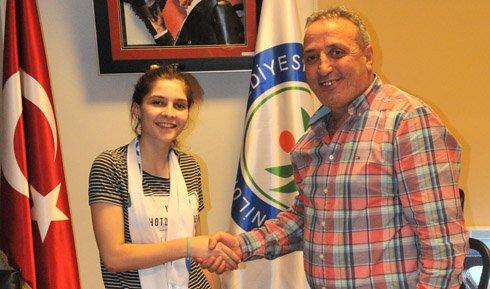 Nilüfer Belediyespor'dan libero transferi!