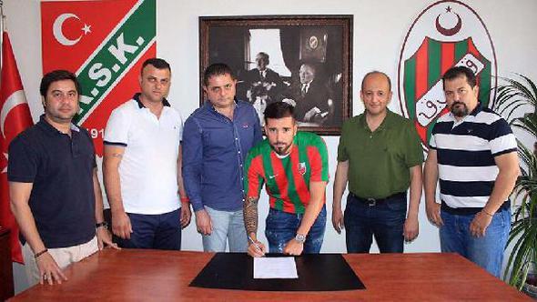 Tayfun Pektürk Karşıyaka'da kaldı