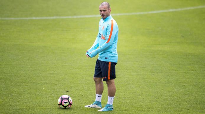 Sneijder bugün imzalıyor! İşte yeni takımı...