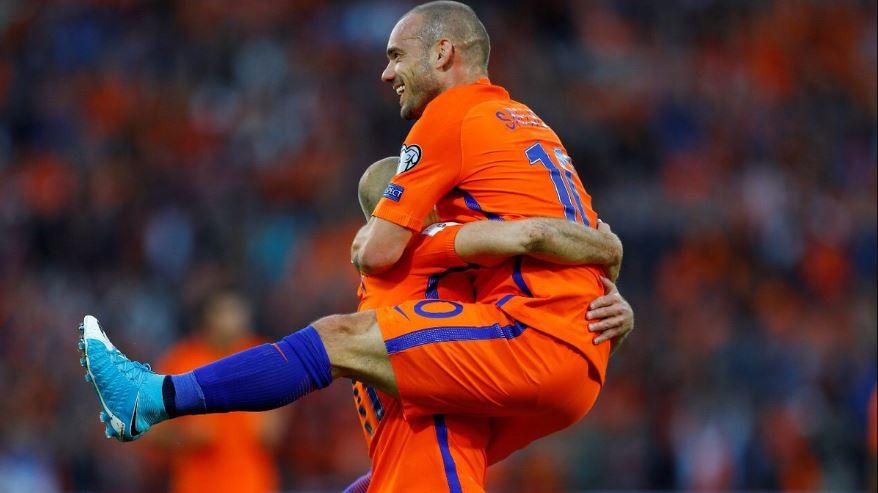 Advocaat siftah yaptı, Sneijder rekor kırdı!