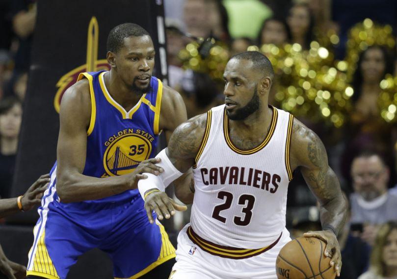 LeBron ve Cleveland tarihe geçti!