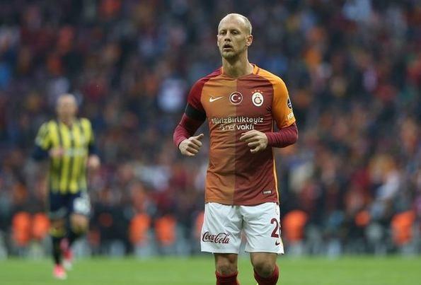 Galatasaray'da yaprak dökümü! Gidiyor!