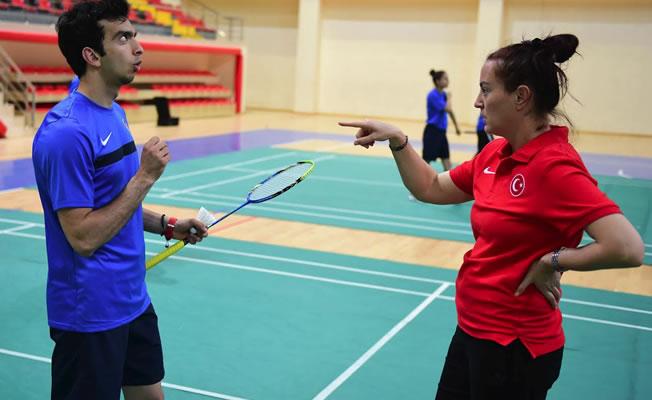 İşitme Engelliler Badminton Milli Takımı Samsun'da