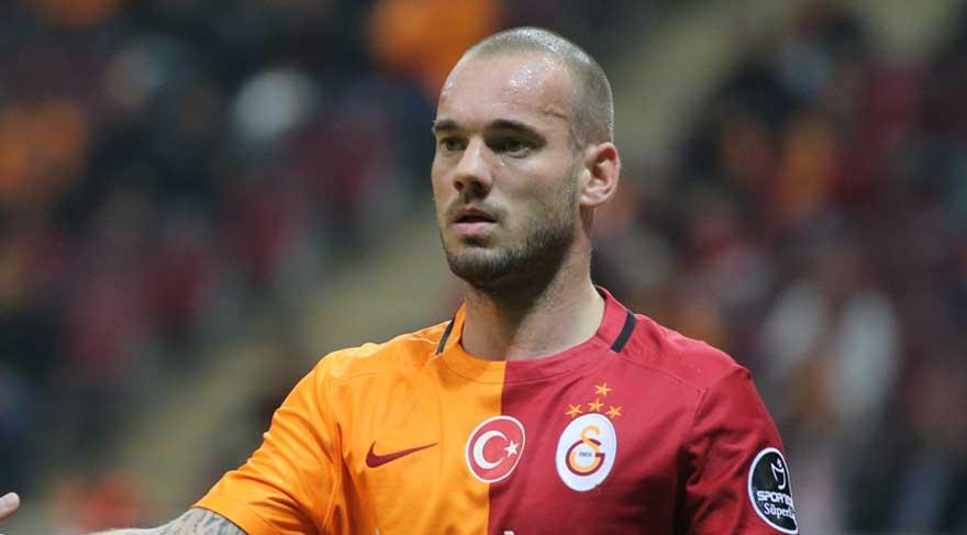 Galatasaray-Başakşehir maçı öncesinde Wesley Sneijder sürprizi!